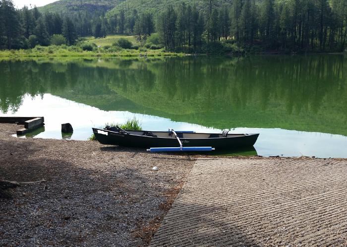 Boating at Fenton Lake