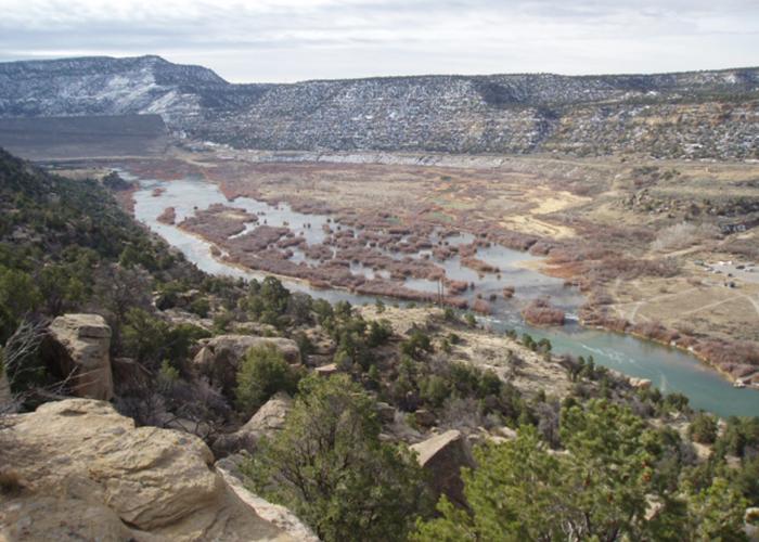 Mountain view of Navajo Lake